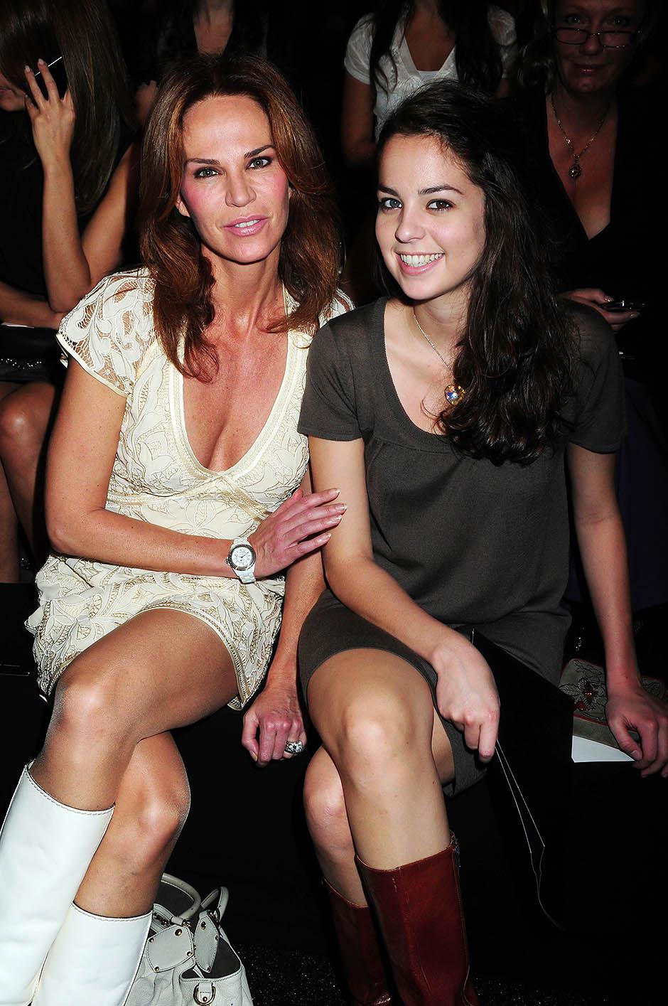 Розали ван Бремен с дочерью Анушкой Делон