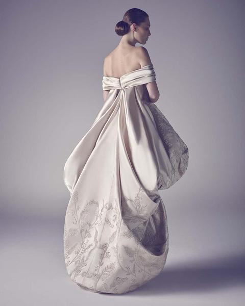 ЗАМУЖ НЕВТЕРПЕЖ: 10 самых красивых свадебных коллекций сезона | галерея [1] фото [7]