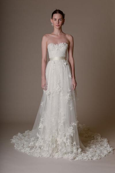 50 самых красивых платьев со Свадебной Недели Моды в Нью-Йорке | галерея [1] фото [24]