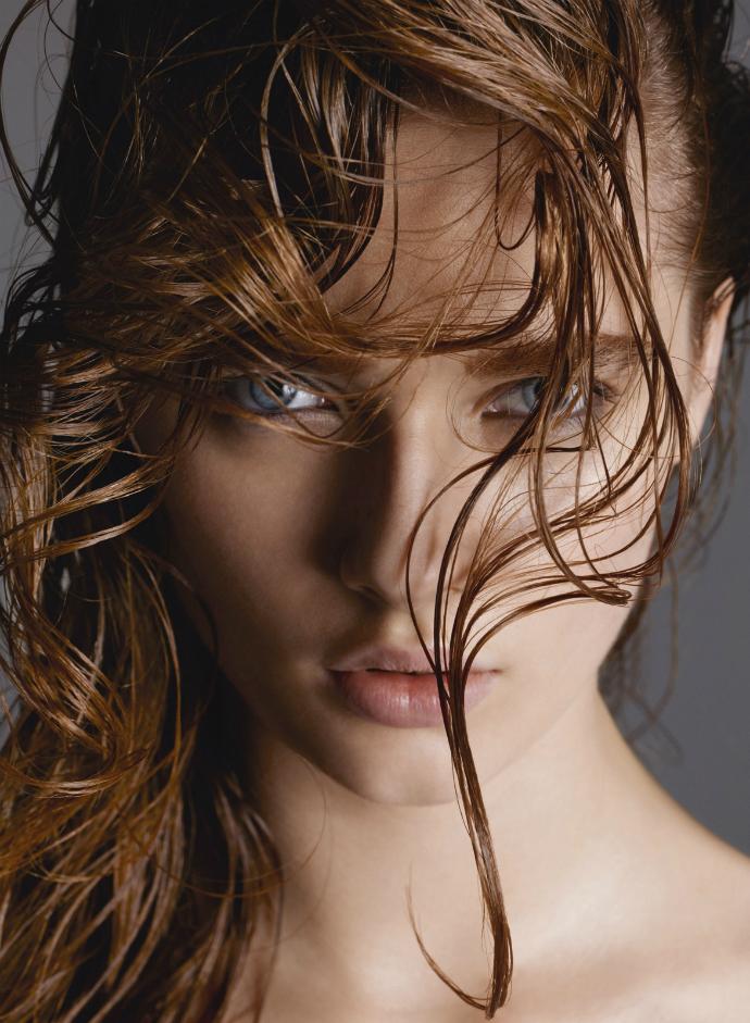 Голова в облаках: Топ-11 средств для ухода за волосами зимой