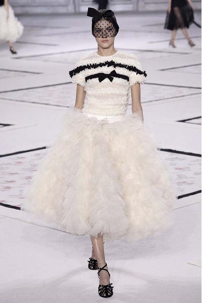Показ Giambattista Valli Haute Couture | галерея [1] фото [3]