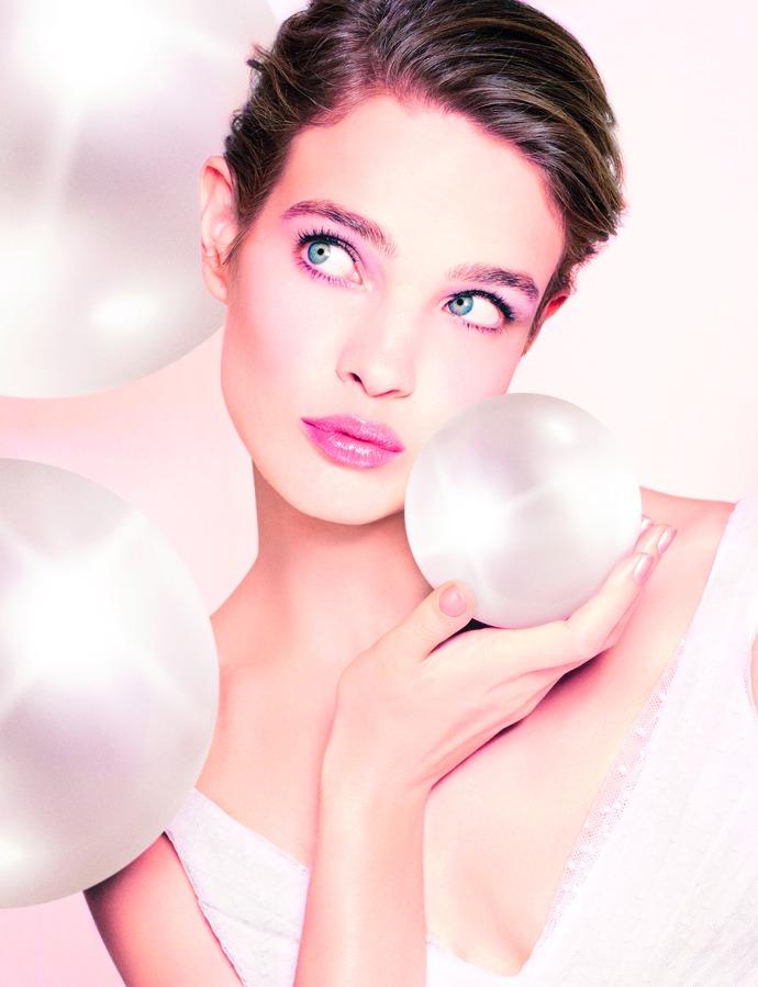 Guerlain выпустил компактную тональную пудру Blanc De Perle SPF 20