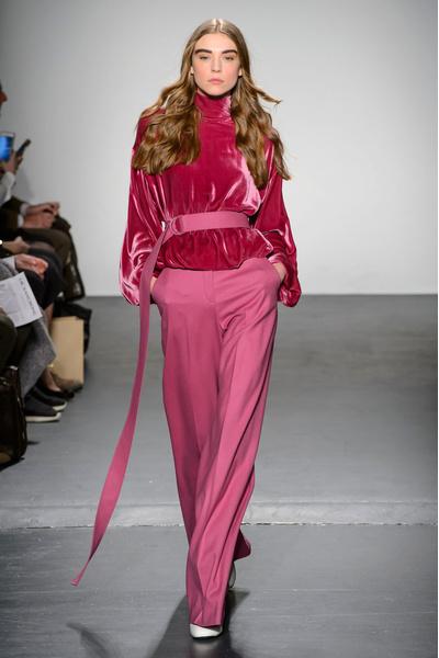 Самые красивые образы Недели моды в Нью-Йорке | галерея [1] фото [49]