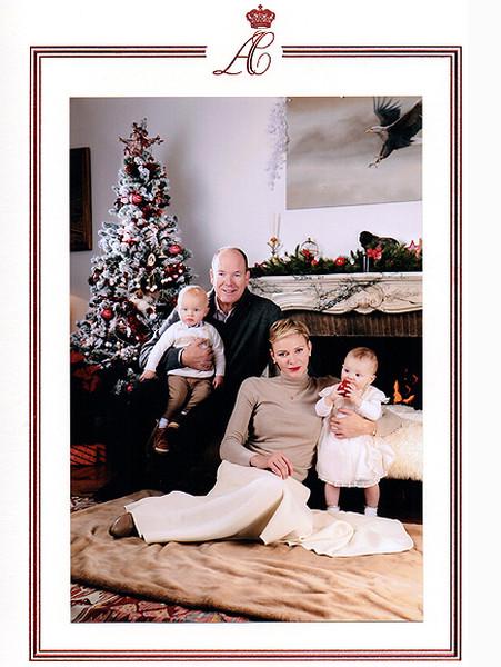Князь и княгиня Монако Альбер и Шарлен с детьми