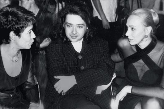Татьяна с главным редактором журнала Cosmopolitan Еленой Мясниковой и дизайнером Валентином Юдашкиным