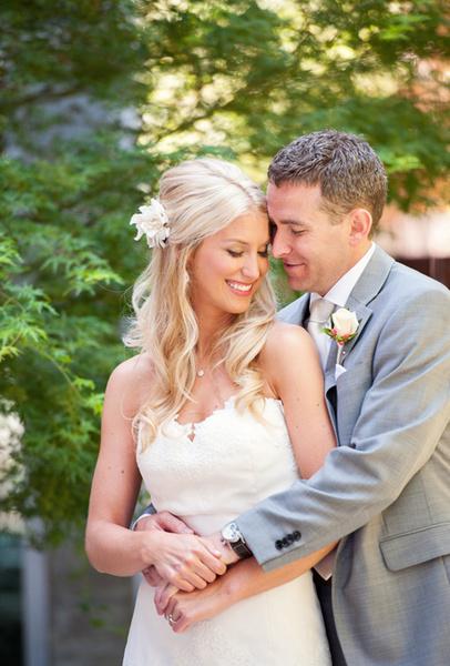 Как украсить цветами свадебную прическу | галерея [4] фото [4]