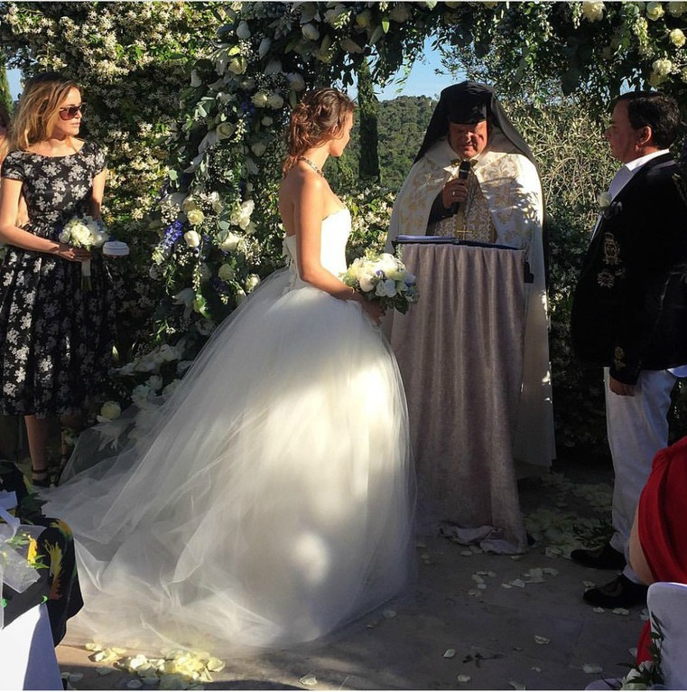 55-летний топ-менеджер «Лукойла» женился на 18-летней модели