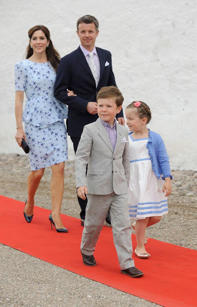 Кронпринц Фредерик и кронпринцесса Мэри с детьми Кристианом и Изабеллой