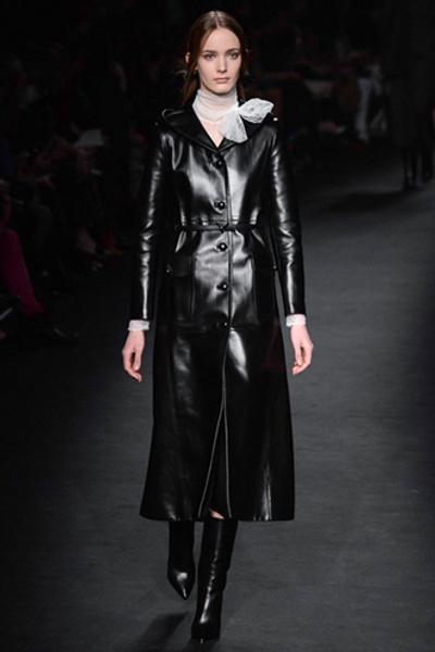 Неделя моды в Париже: показ Valentino ready-to-wear осень — зима 2015-2016 | галерея [1] фото [32]