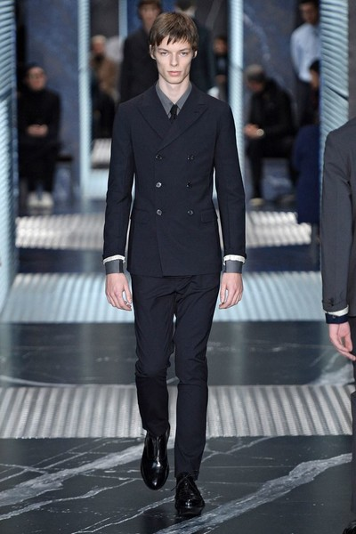Бренд Prada представил на Неделе мужской моды в Милане сразу две коллекции | галерея [2] фото [6]