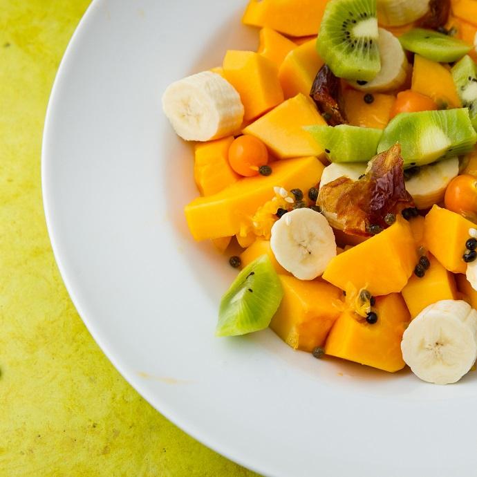 Тропический салат с бананом