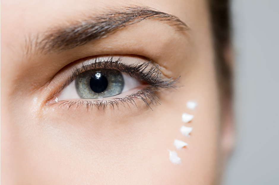 Крем вокруг глаз: инструкция по применению