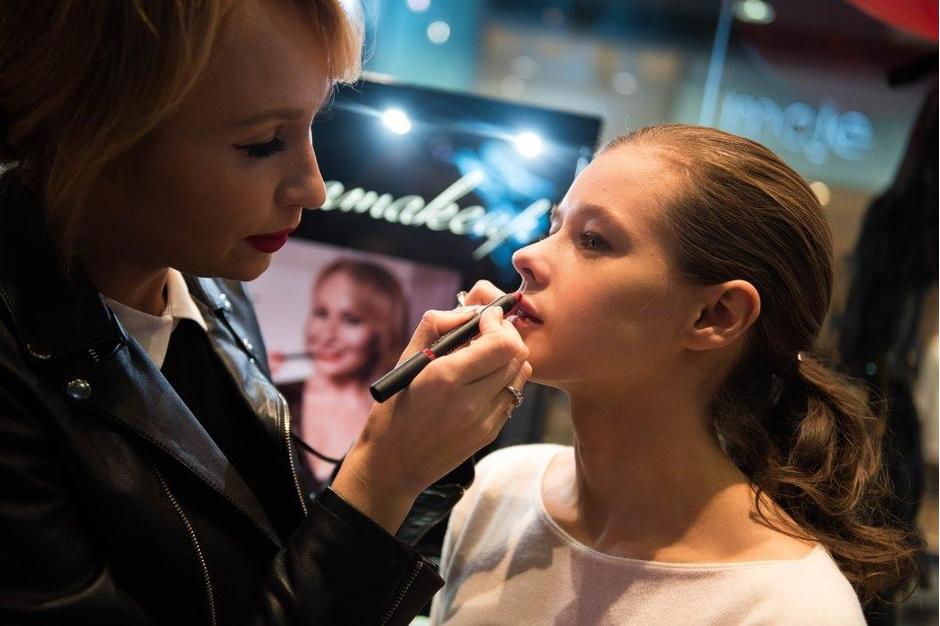 Хлопай ресницами: открылся первый бутик Romanova MakeUp