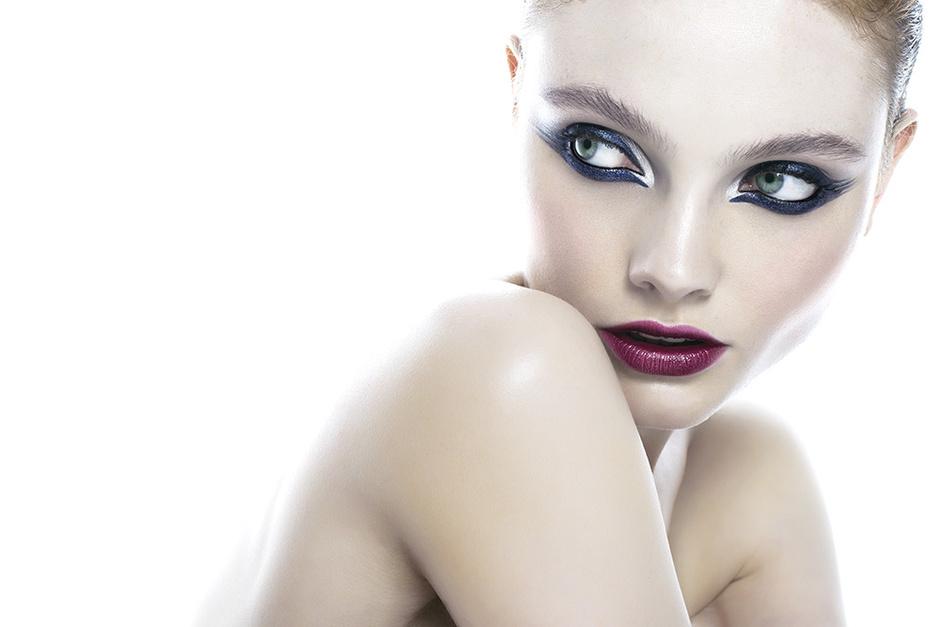 """Makeup-идеи: самые модные """"стрелки"""" для главной ночи года"""