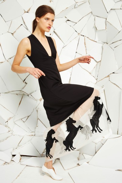 Stella McCartney представила новую круизную коллекцию | галерея [1] фото [6]