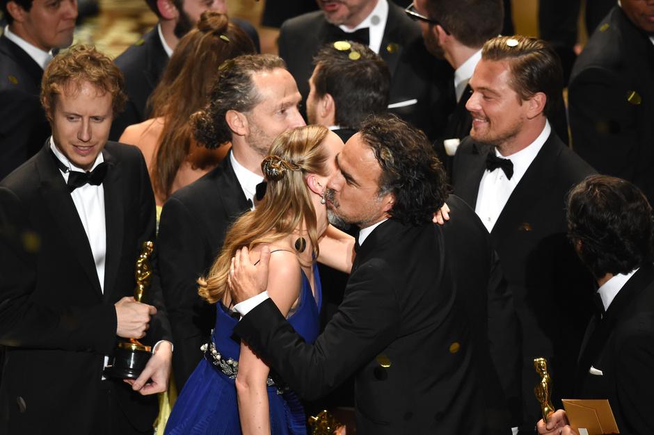 Звезды поздравили Леонардо Ди Каприо с победой на «Оскаре-2016»