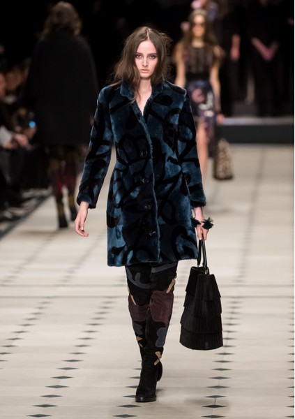 Показ Burberry Prorsum на Неделе моды в Лондоне | галерея [1] фото [30]