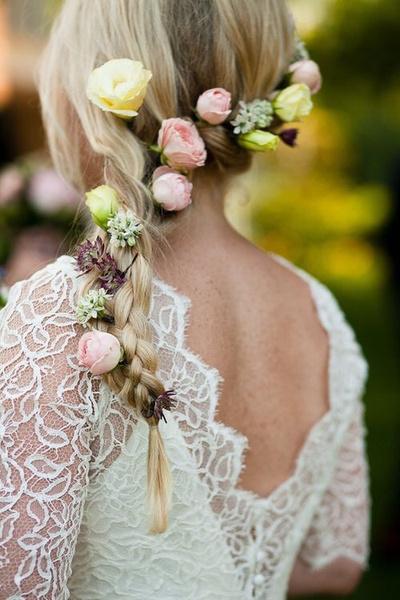 Как украсить цветами свадебную прическу? | галерея [2] фото [5]