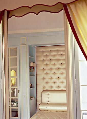 Дом в Париже, декоратор Бруно Дежузер.