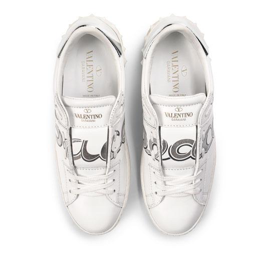 Кроссовки от Valentino