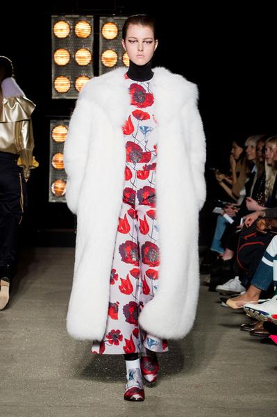 Самые красивые образы Недели моды в Лондоне | галерея [1] фото [38]