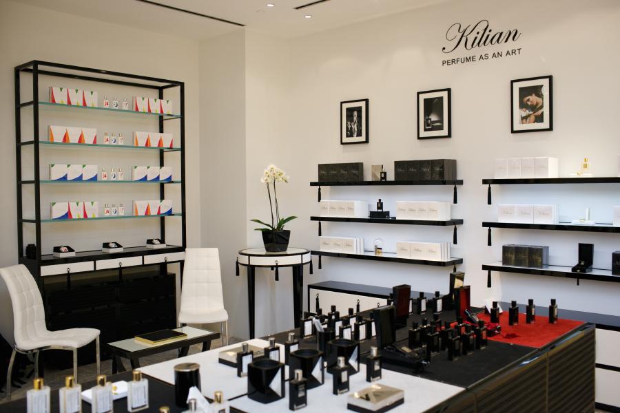 kilian открыл в цуме корнер селективной парфюмерии