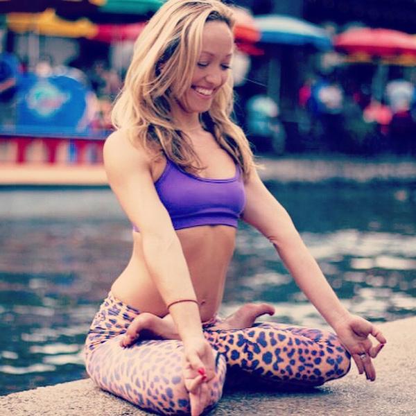 ВСТАЛА В ПОЗУ: 7 мотивирующих йога-аккаунтов | галерея [1] фото [1]
