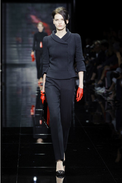 На Неделе Высокой моды в Париже прошел показ Armani Privé На Неделе Высокой моды в Париже прошел показ Armani Privé