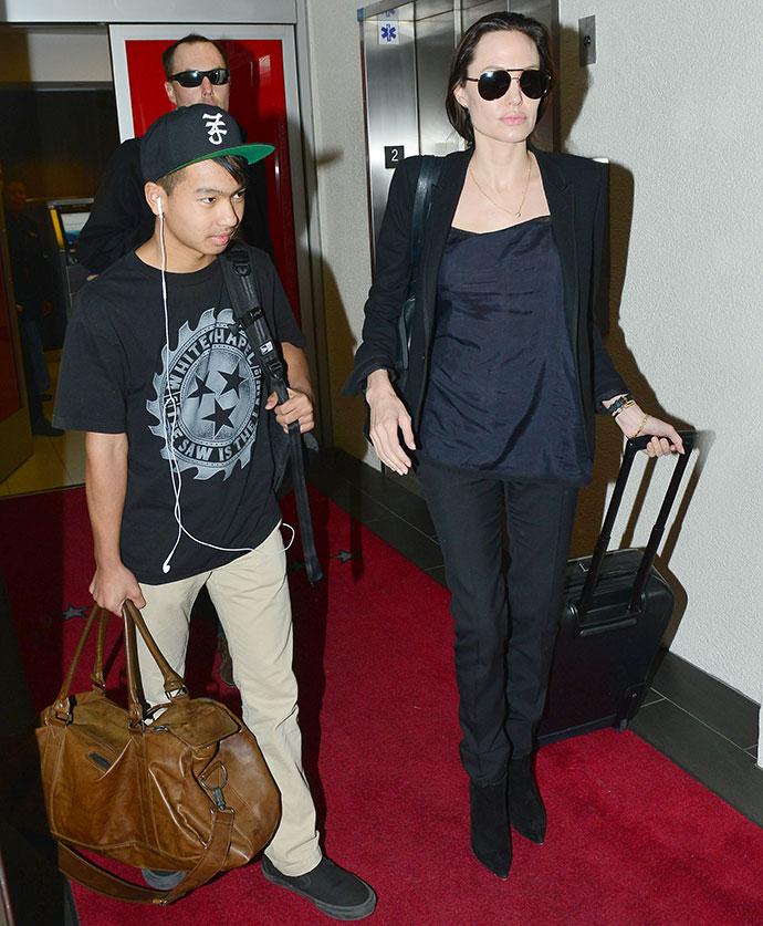 Анджелина Джоли с сыном Мэддоксом