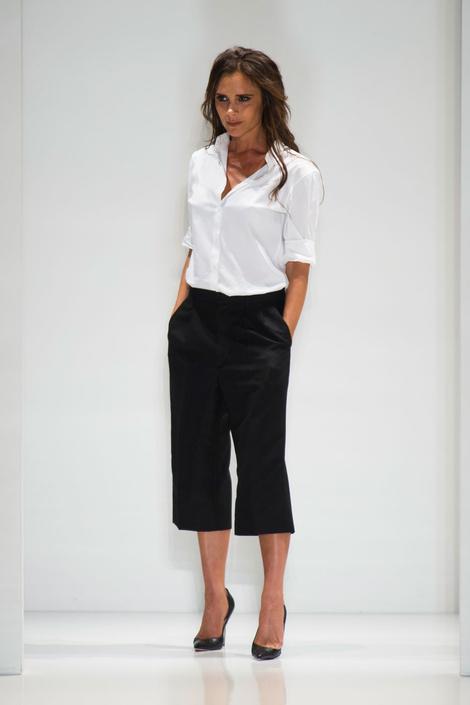 Десять лучших образов с показа Victoria Beckham на Неделе моды в Нью-Йорке