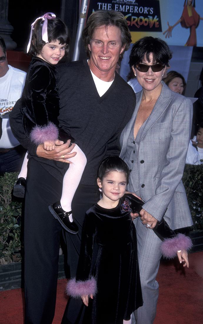 Брюс и Крис Дженнер с дочерьми Кайли и Кендалл, 2000