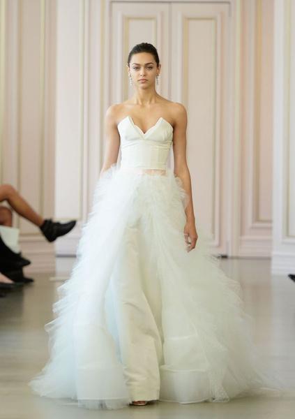 Дом Oscar de la Renta представил новую свадебную коллекцию | галерея [1] фото [5]