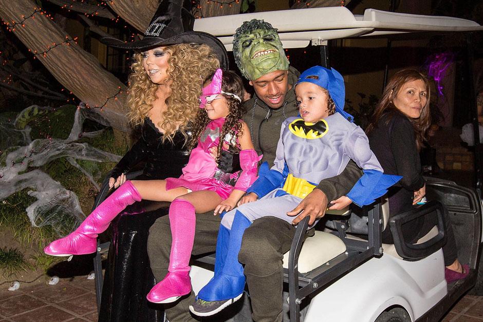 Мэрайя Кэри с детьми и Ником Кэнноном