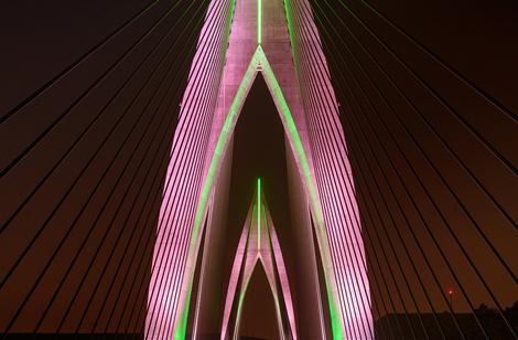 Компания Philips Lighting осветила «Инженерное чудо Африки» | галерея [1] фото [2]
