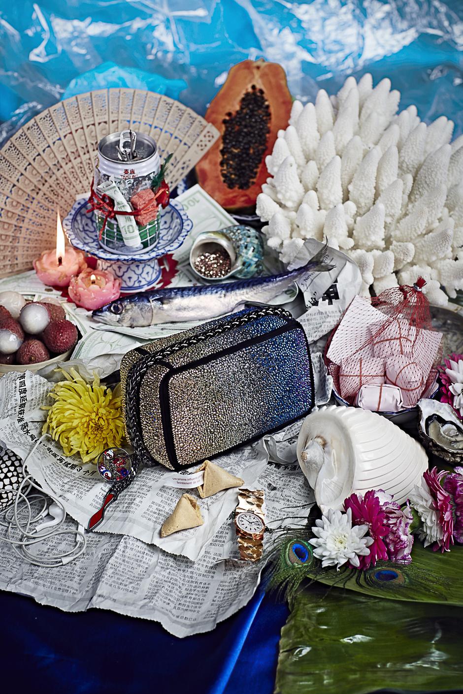 Christian Louboutin выпустил новую коллекцию клатчей Piloutin