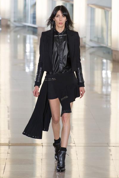 Показ Anthony Vaccarello на Неделе моды в Париже | галерея [2] фото [31]