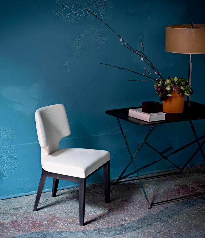 Мягкие стулья Aline, дизайн Роберто Лаццерони, Flexform Mood.