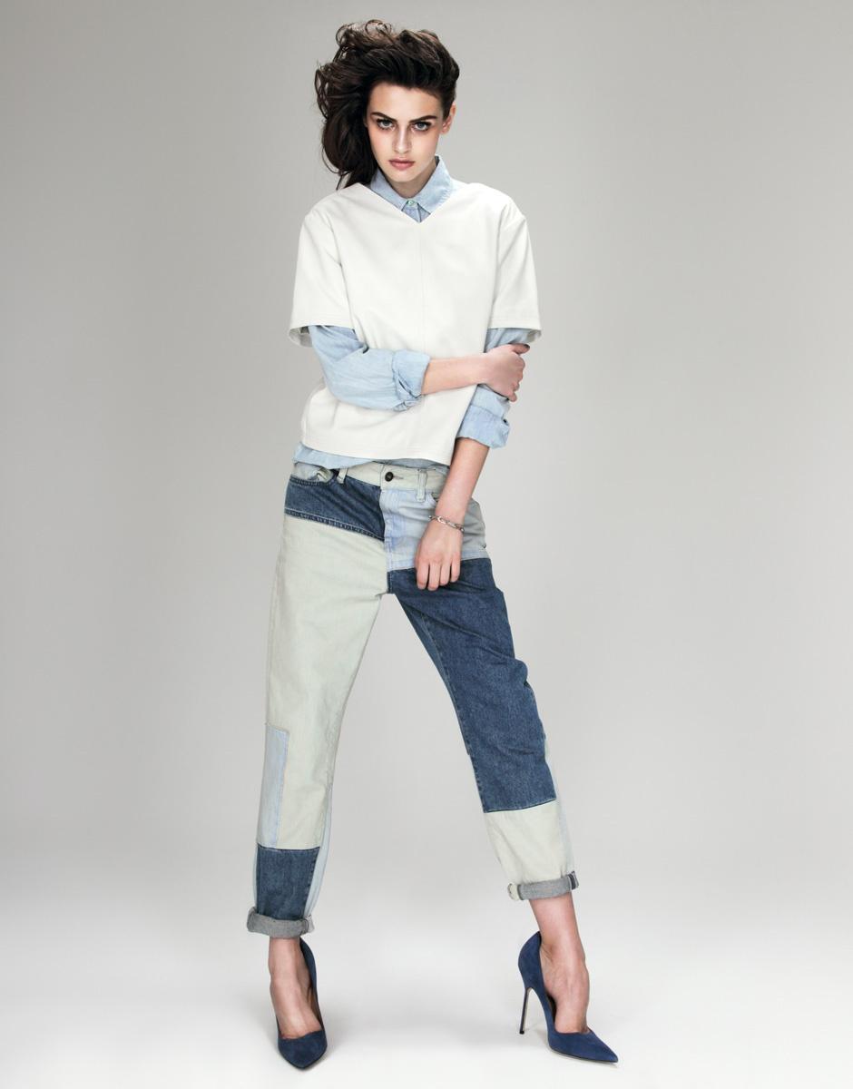 Рубашка из денима, Patrizia Pepe; топ из кожи, Asos; джинсы, Topshop; браслет из серебра, Oxette; туфли, Manolo Blahnik