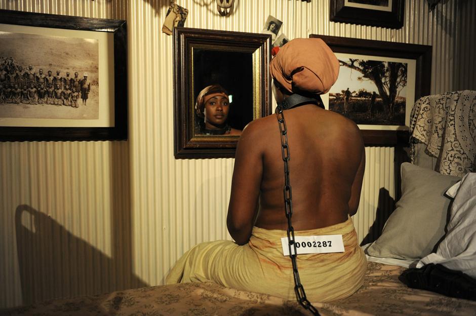 Самое необычное событие фестиваля — «музей расизма» Бретта Бейли