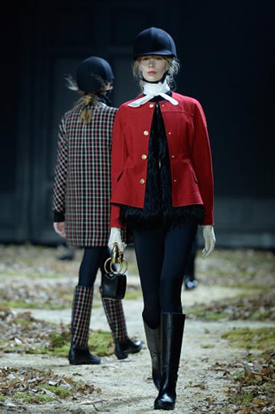 Неделя моды в Париже: показ Moncler Gamme Rouge осень-зима 2015/16 | галерея [1] фото [5]