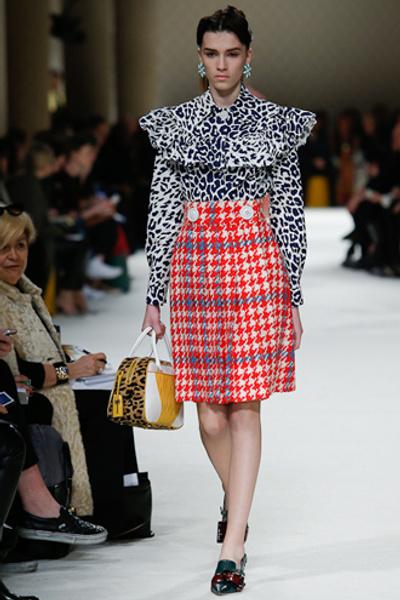 Неделя моды в Париже: показ Miu Miu pret-a-porter осень-зима 2015/16 | галерея [1] фото [14]