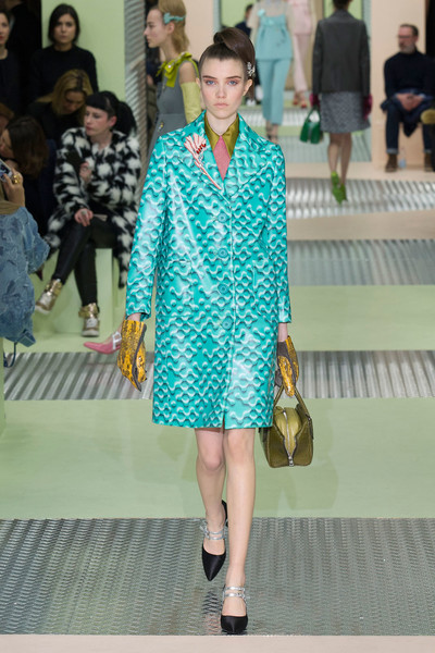 Показ Prada на Неделе моды в Милане | галерея [1] фото [7]