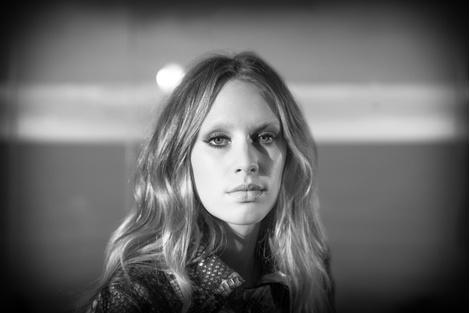 Дочь Шона Пенна Дилан стала лицом бренда Ermanno Scervino | галерея [1] фото [3]