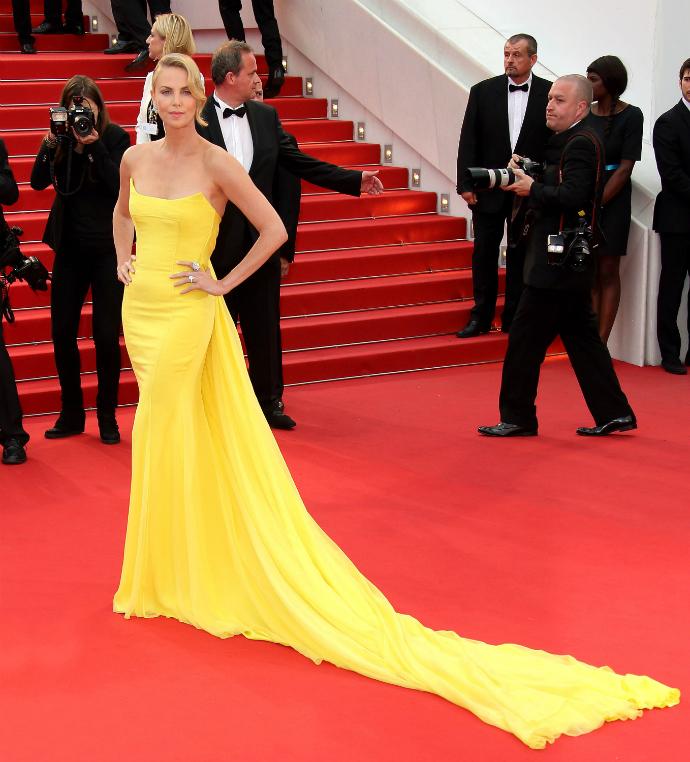 Шарлиз Терон в Christian Dior Couture на Каннском кинофестивале