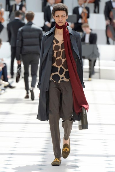 Показ Burberry Prorsum на Неделе мужской моды в Лондоне | галерея [2] фото [7]