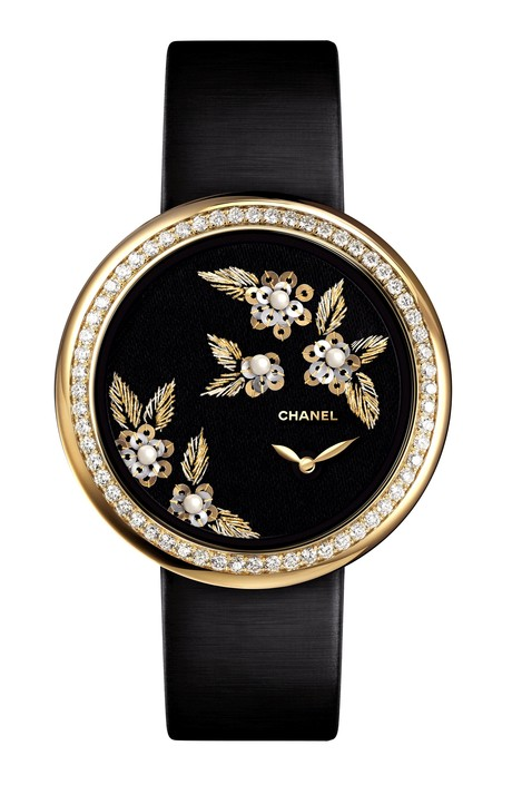 часы Mademoiselle Prive Decor Camelia Brode от Chanel