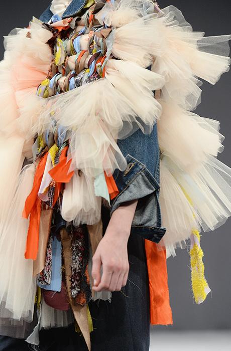 Показ Viktor & Rolf на Неделе Haute Couture в Париже