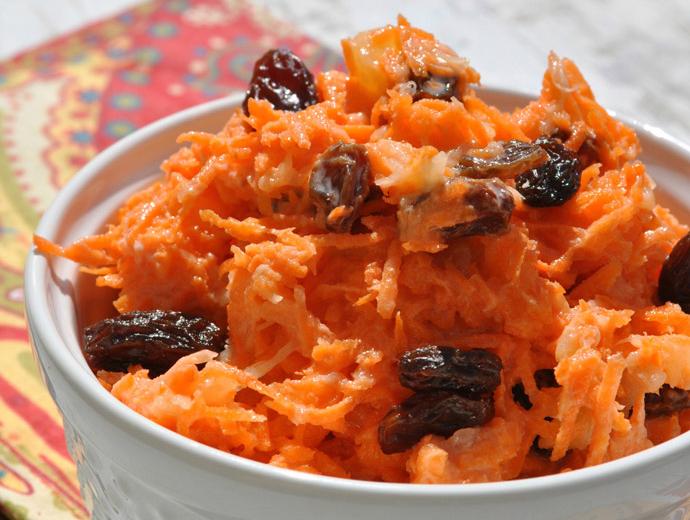 Морковный салат с шафраном и корицей