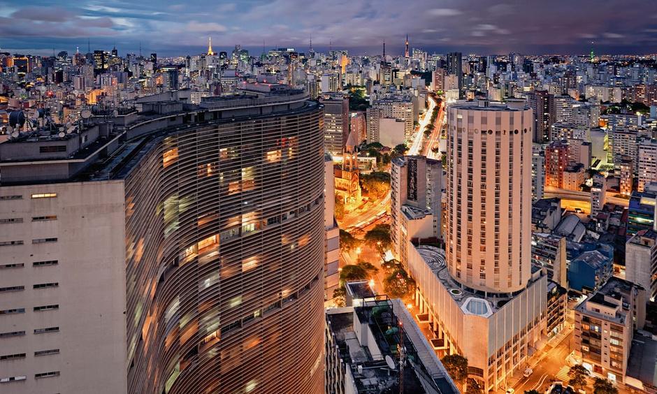 """""""Гни свою линию"""". 110 лет мэтру бразильской архитектуры Оскару Нимейеру (фото 10)"""