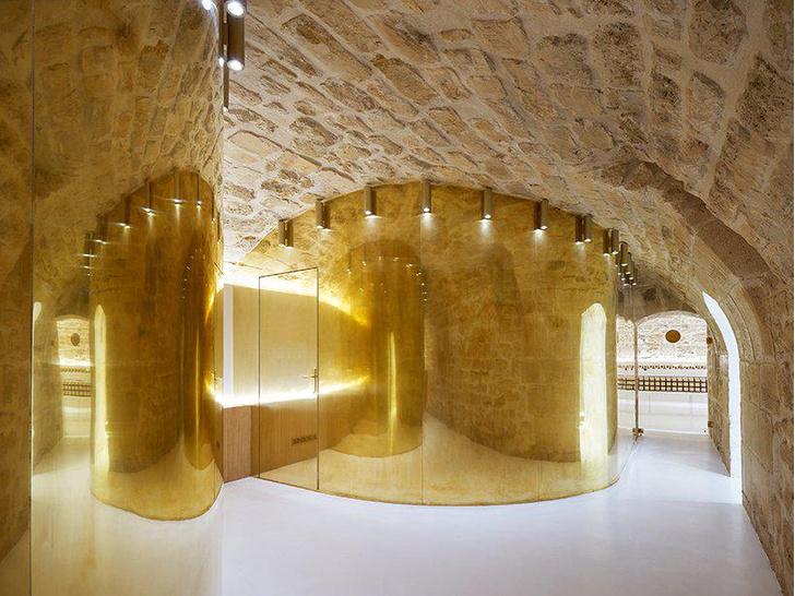 Сияние золота: салон красоты и бутик в Париже (фото 7)